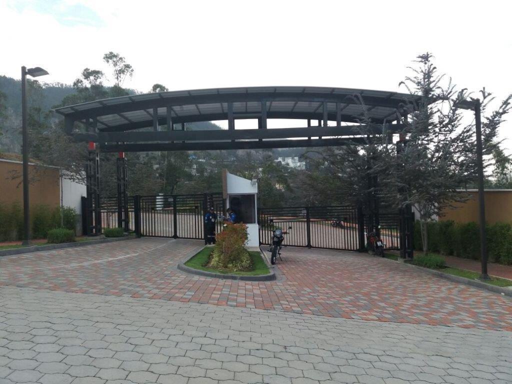 Foto Terreno en Venta en  Cumbayá,  Quito      Cerros de Cumbayá, lotes desde 1.000 m2, $315 el m2,  Urbanización exclusiva
