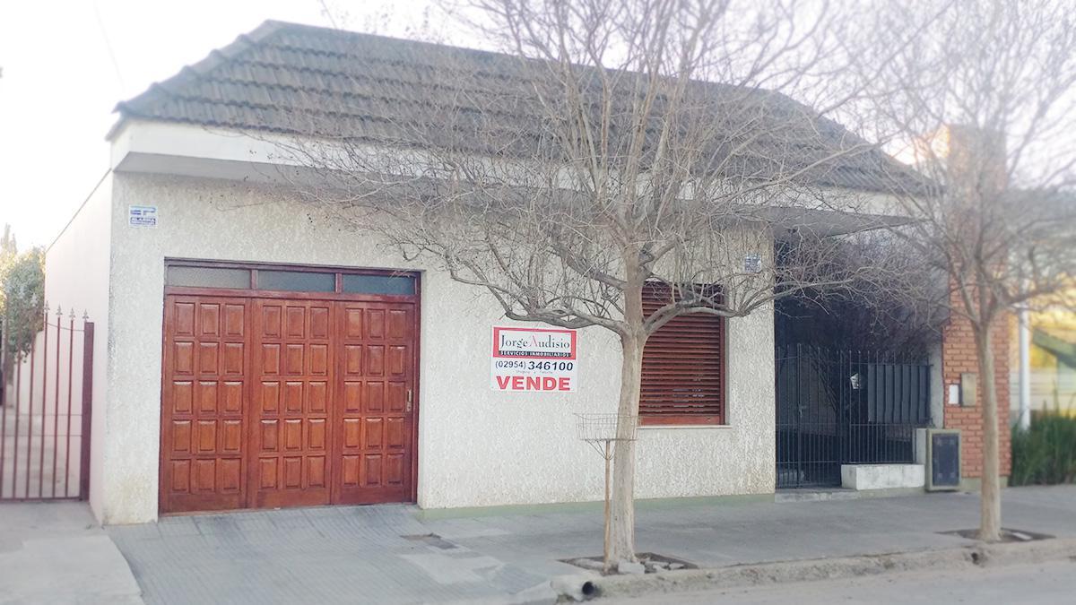 Foto Casa en Venta en  Santa Rosa,  Capital  Escalante al 700