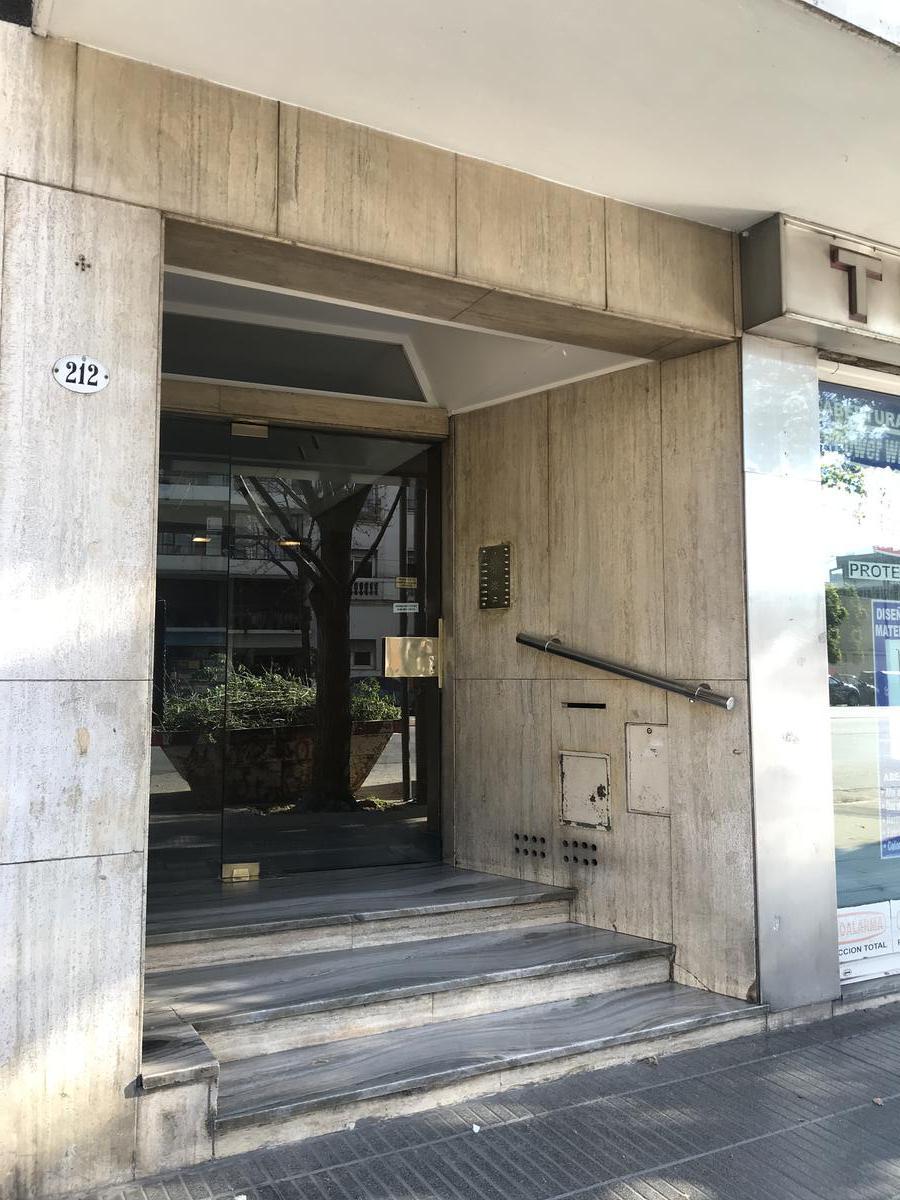 Foto Departamento en Alquiler en  Palermo ,  Capital Federal  Av. Cabildo al 200