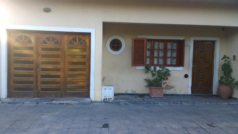 Foto Casa en Venta en  Centro,  Ingeniero Maschwitz  Bolivar al 1600