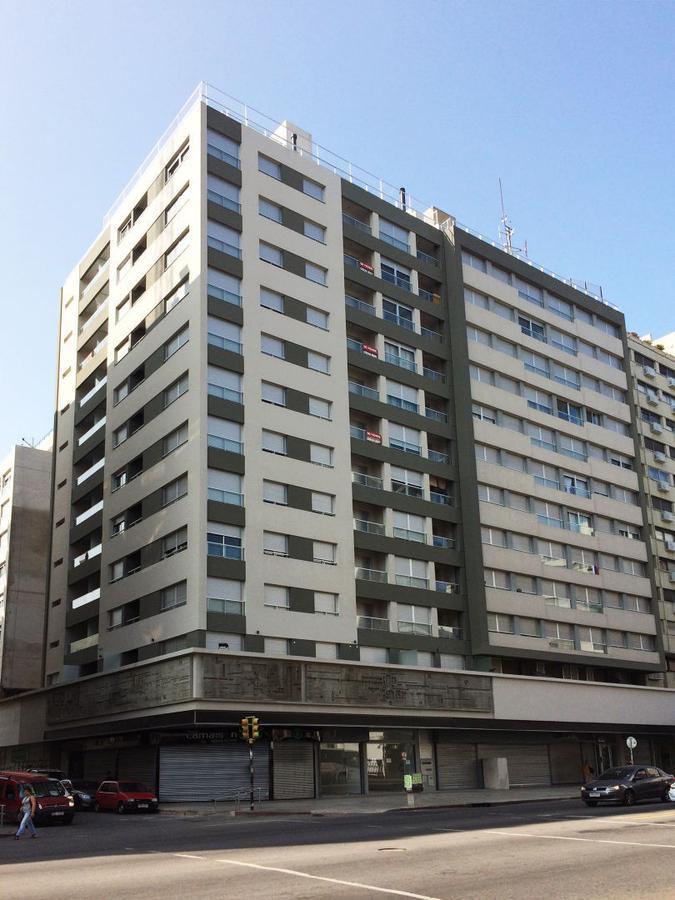 Foto Apartamento en Venta |  en  Cordón ,  Montevideo  NOSTRUN - 18 de Julio esq Tacuarembo