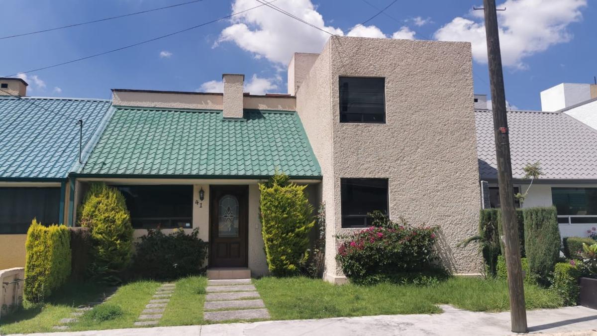 Foto Casa en condominio en Venta en  Hacienda La Galia,  Toluca  VENTA/RENTA DE CASA EN RESIDENCIAL SN JERONIMO  CERCA DEL AEROPUERTO DE TOLUCA