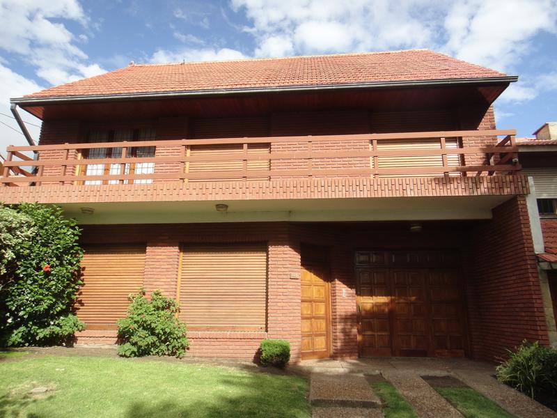 Foto Casa en Venta en  Constitucion,  Mar Del Plata  Pedraza entre Daprotis y Mariani