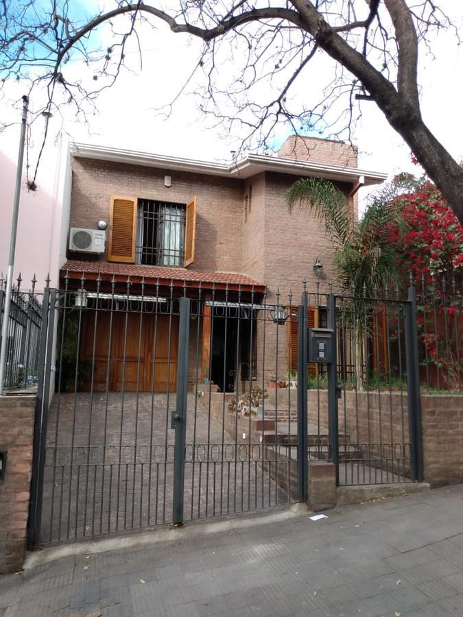 Foto Casa en Venta en  Observatorio,  Cordoba  Impecable Casa 3 dormitorios - Patio - Garage - B° Observatorio