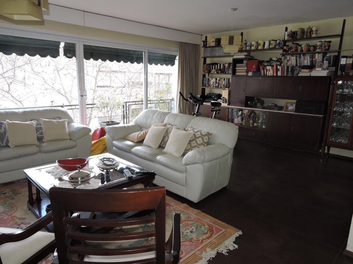 Foto Apartamento en Venta |  en  Centro (Montevideo),  Montevideo  Apartamento 3 dormitorios 2 baños más servicio, Yi casi 18 de Julio
