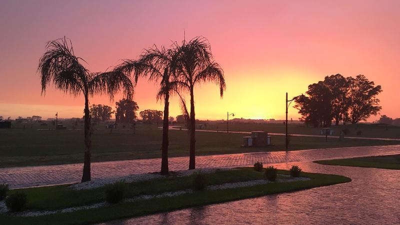 Foto Terreno en Venta en  La Providencia,  Countries/B.Cerrado (Ezeiza)  Lote al golf y al lago en La Providencia