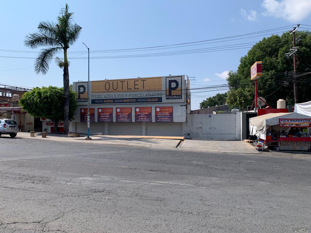 Foto Local en Venta en  La Paloma,  Cuernavaca  Venta de Local Comercial con Bodega