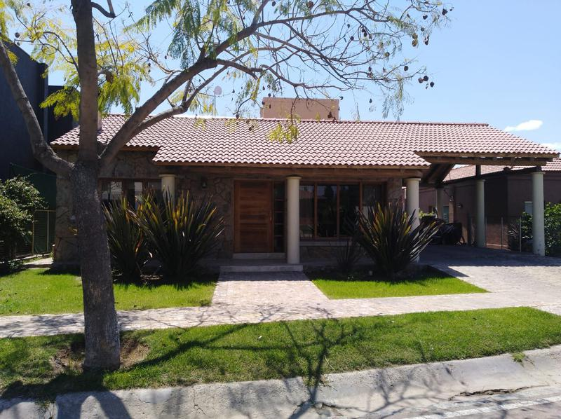 Foto Casa en Venta en  Guaymallen ,  Mendoza  Ayres de Campo