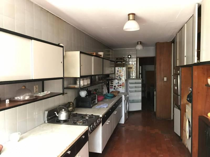 Foto Casa en Venta en  Martinez,  San Isidro  Eduardo Costa al 2500