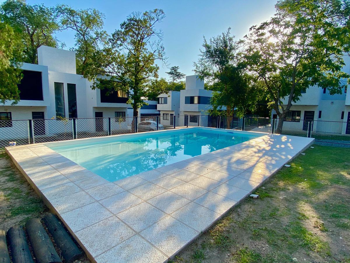 Foto Casa en Venta en  Villa Allende,  Colon  Precio Pos Pandemia! - Housing en Villa Allende - 2 dorm - Alberti al 400