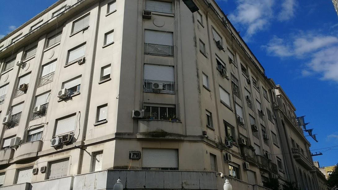 Foto Departamento en Venta en  Rosario,  Rosario  Edificio de categoría 3 dormitorios y 2 baños - Muy amplio - Gas Rehabilitado