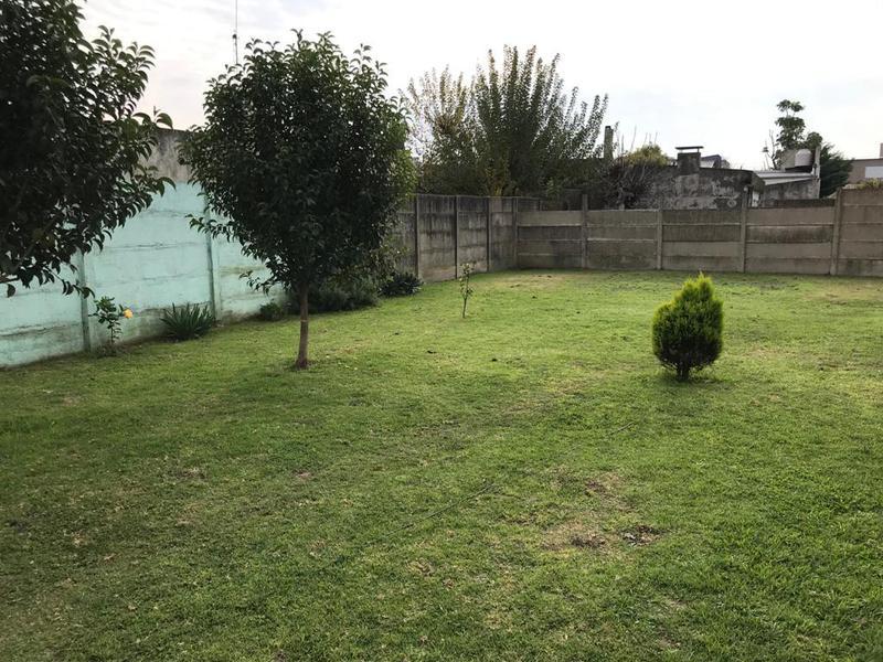 Foto Terreno en Venta en  La Plata,  La Plata  8 entre 516 y 517