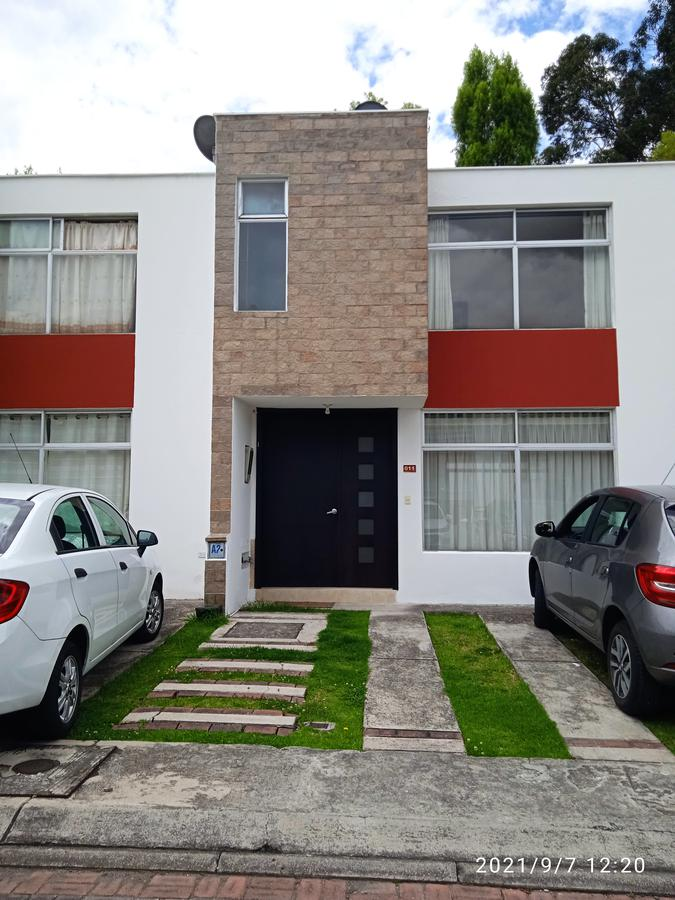Foto Casa en Alquiler en  San Rafael,  Quito  Mirasierra