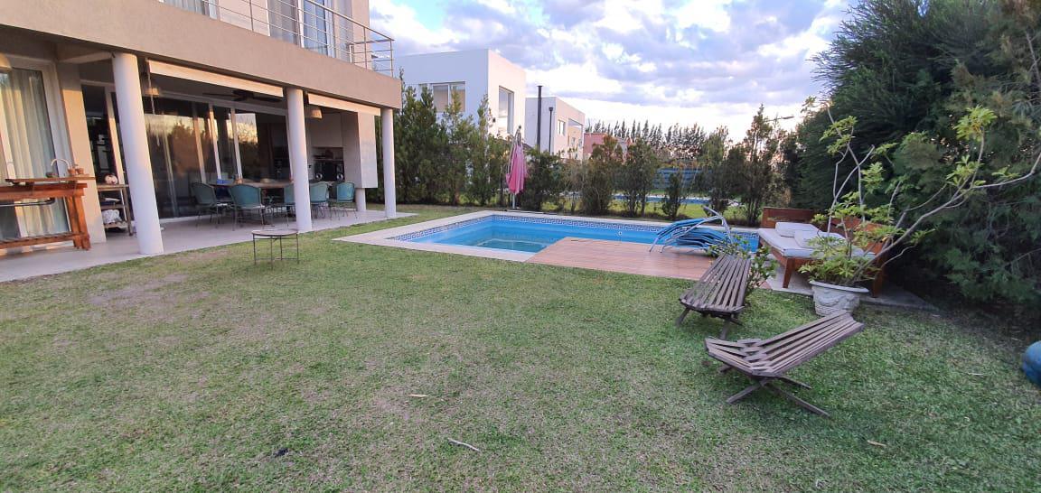Foto Casa en Venta en  Los Lagos,  Nordelta  Los Lagos 598