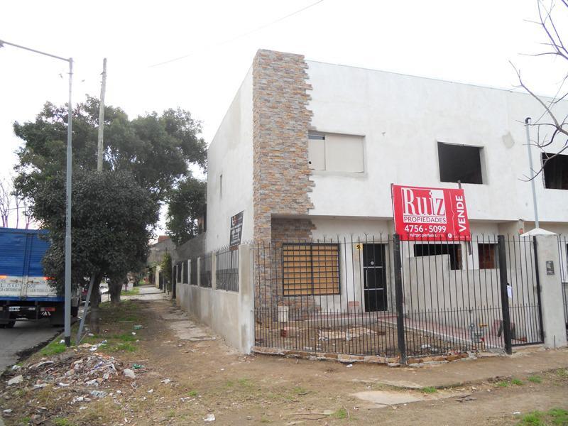 Foto Casa en Venta en  General San Martin ,  G.B.A. Zona Norte  Garibaldi al 1300