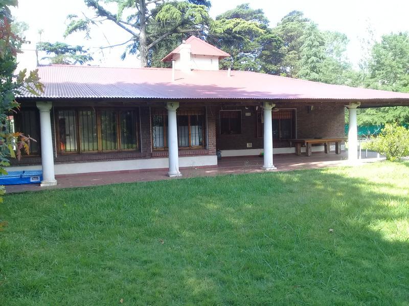Foto Casa en Alquiler en  Barrio Parque Leloir,  Ituzaingo  udaondo al 3200