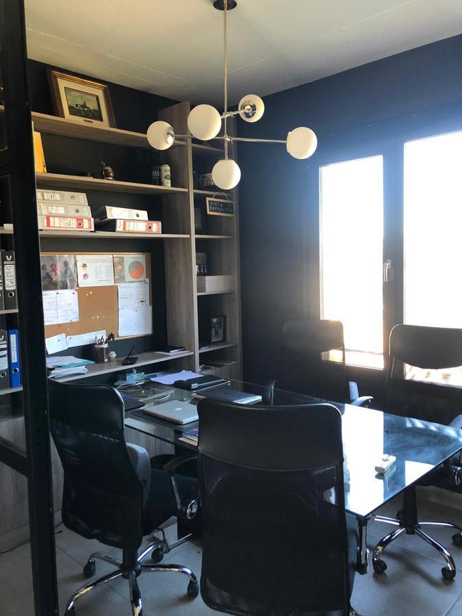 Foto Oficina en Venta en  Buenavista,  San Fernando  Renee Favaloro al 3300