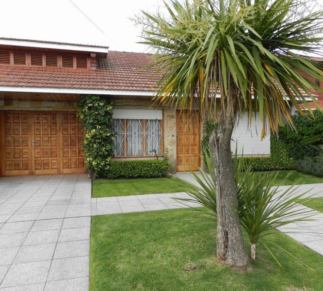 Foto Casa en Venta en  Mar Del Plata ,  Costa Atlantica  Rosales 3000