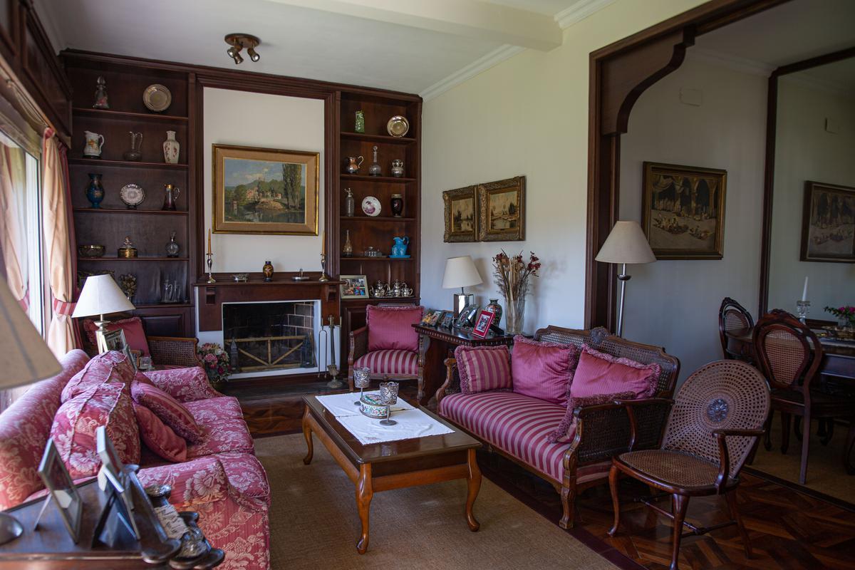 Foto Casa en Venta en  Carrasco ,  Montevideo  En una planta y muy lindo entorno