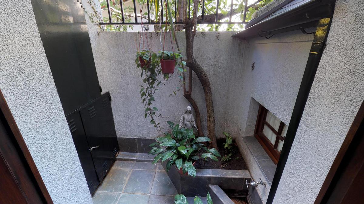 Foto Casa en Venta en  Mart.-Vias/Libert.,  Martinez  Pasteur al 1100