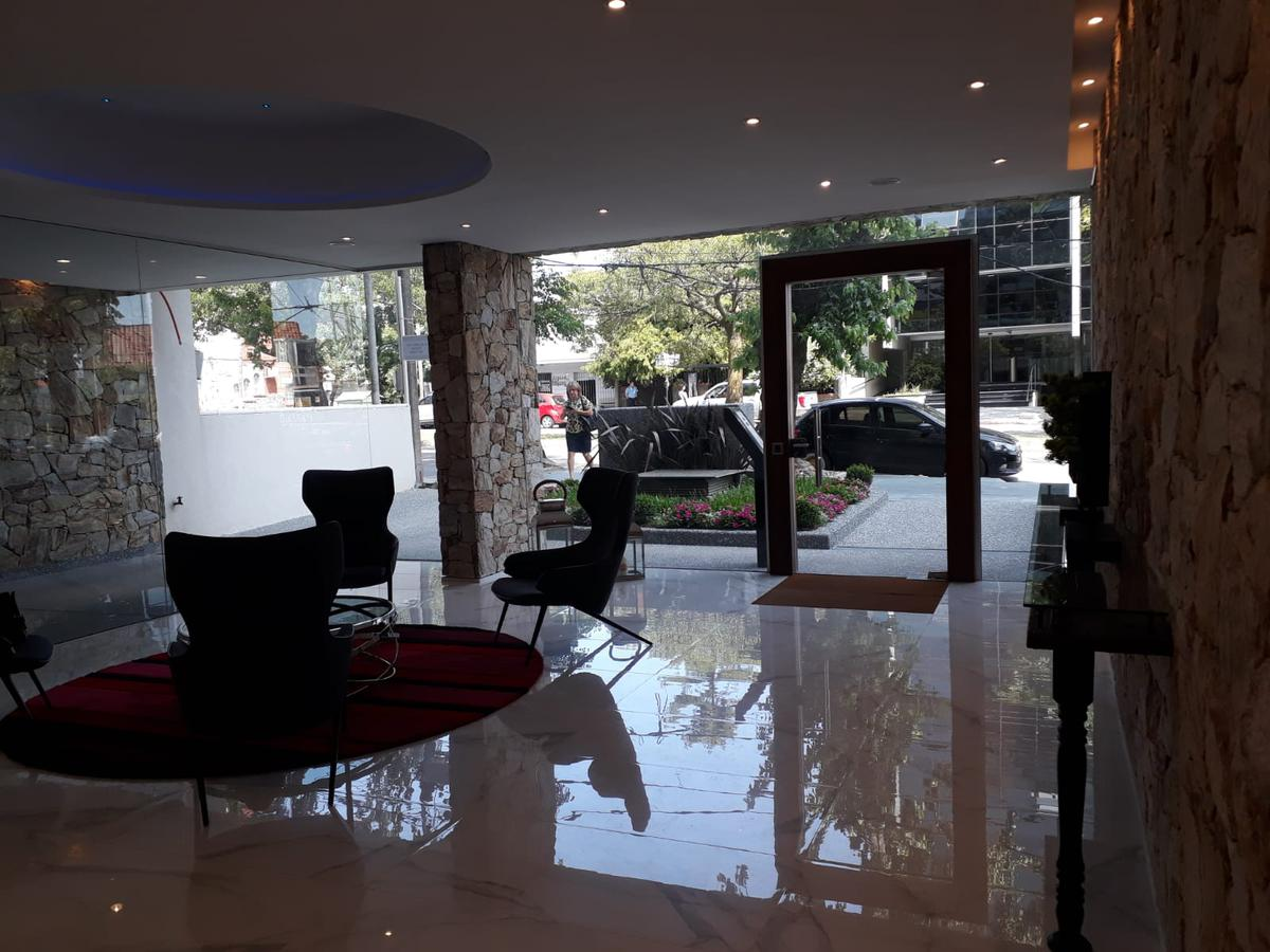 Foto Apartamento en Alquiler en  Pocitos ,  Montevideo  26 de marzo y Julio César