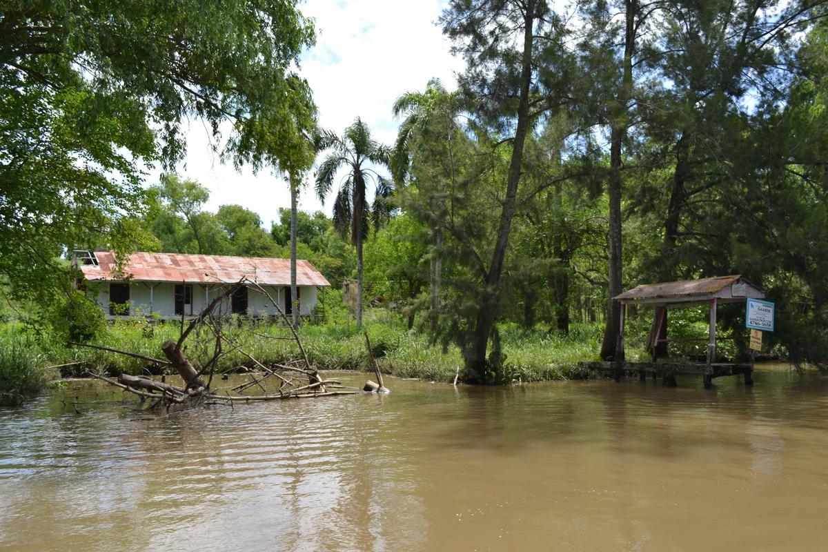 Foto Casa en Venta en  Toro,  Zona Delta Tigre  Toro Casa Cremer