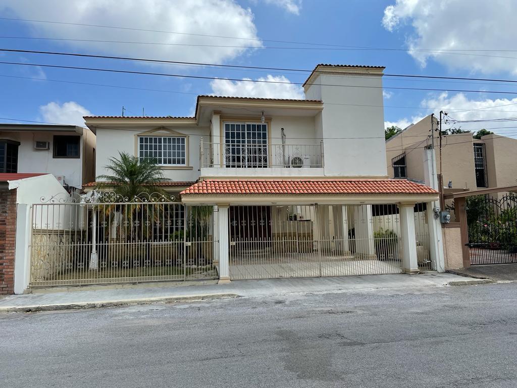 Foto Casa en Renta en  Fraccionamiento Lomas Del Chairel,  Tampico  Casa con jardin y cuarto de servicio