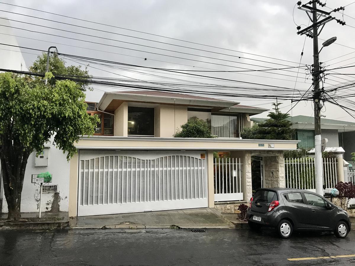 Foto Casa en Venta en  Miravalle,  Quito  Miravalle 4