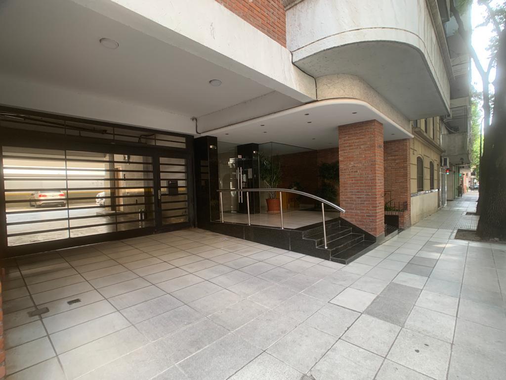 Foto Departamento en Venta en  Belgrano C,  Belgrano  Moldes al 2300