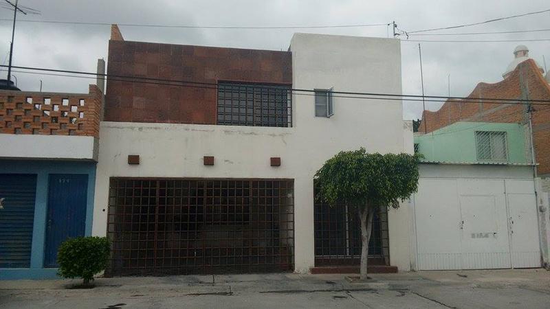 Foto Casa en Venta en  Jacarandas,  San Luis Potosí  CASA EN VENTA MUY CERCA A LA UVM , JACARANDAS