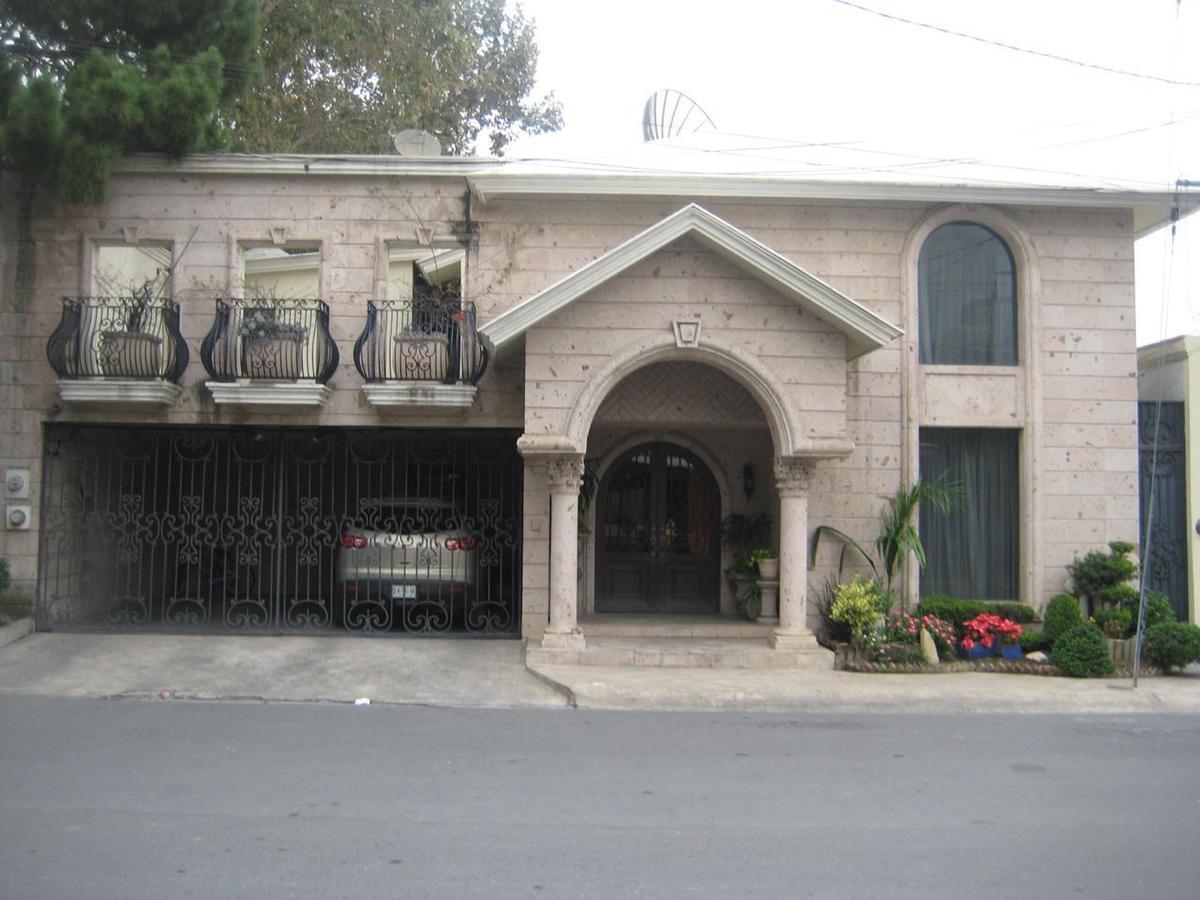 Foto Casa en Venta en  Del Valle,  San Pedro Garza Garcia  Casa en Venta en Colonia Del Valle (RB)