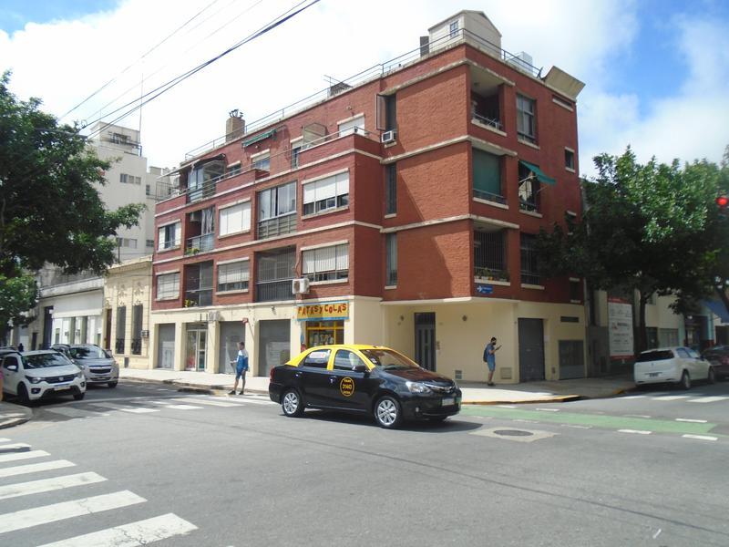 Foto Departamento en Venta en  San Cristobal ,  Capital Federal  Carlos Calvo al 2800