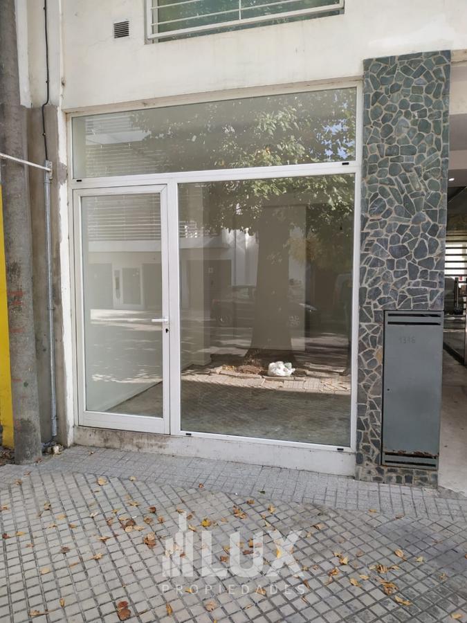 Local Alquiler Ricchieri 1300 - Rosario Macrocentro