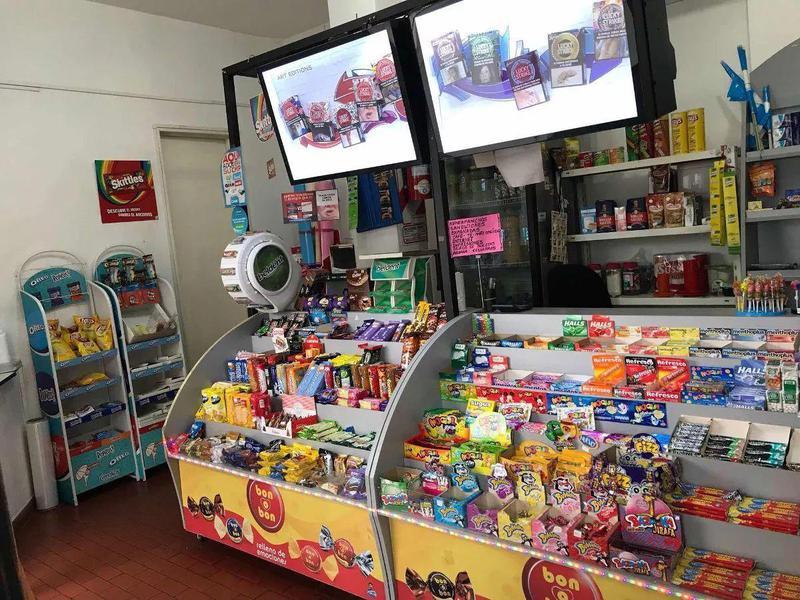 Foto Local en Alquiler en  Velez Sarsfield ,  Capital Federal  MORÓN 4800