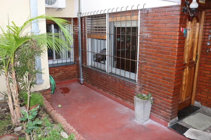 Foto PH en Venta en  Villa Pueyrredon ,  Capital Federal  Gabriela Mistral al 2100, PB fondo