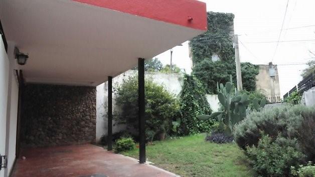 Foto Casa en Venta en  Cerro De Las Rosas,  Cordoba   NATAL CRESPO al 4700