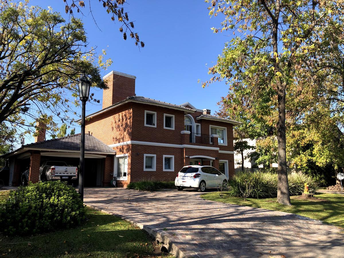 Foto Casa en Venta en  Campos De Alvear,  Francisco Alvarez  Almafuerte al 1400