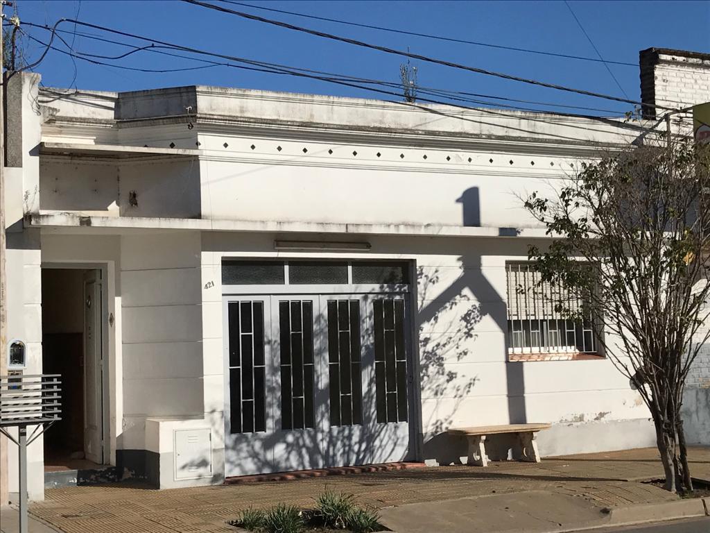 Foto Casa en Venta en  Junin,  Junin  Arias 421