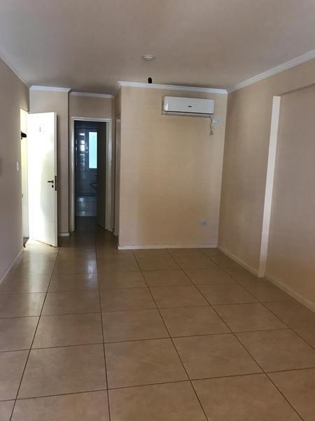 Foto Departamento en Alquiler en  Centro,  Cordoba Capital  Departamento zona centro con balcon!