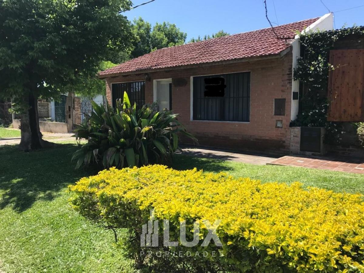 Casa venta 2 dormitorios barrio residencial Santa Rita - Granadero Baigorria