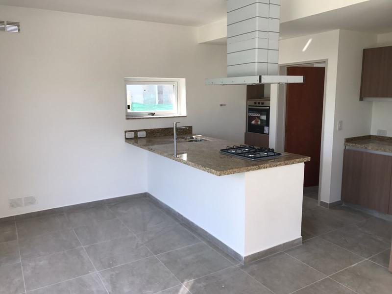Foto Casa en Venta | Alquiler en  La Horqueta de Echeverría,  Countries/B.Cerrado  Juana de Arco 6100 La Horqueta de Echeverria