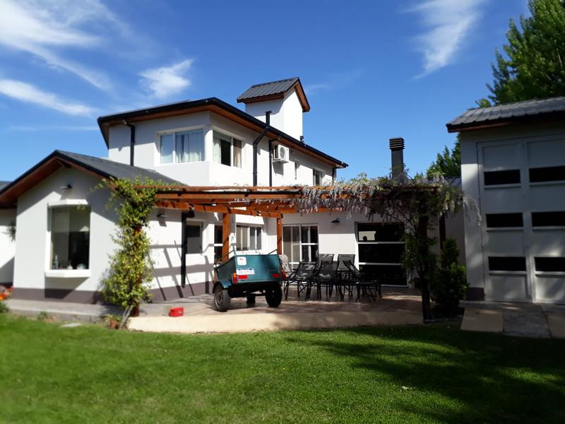 Foto Casa en Venta en  Centenario,  Confluencia  LA COMARCA RUTA 7
