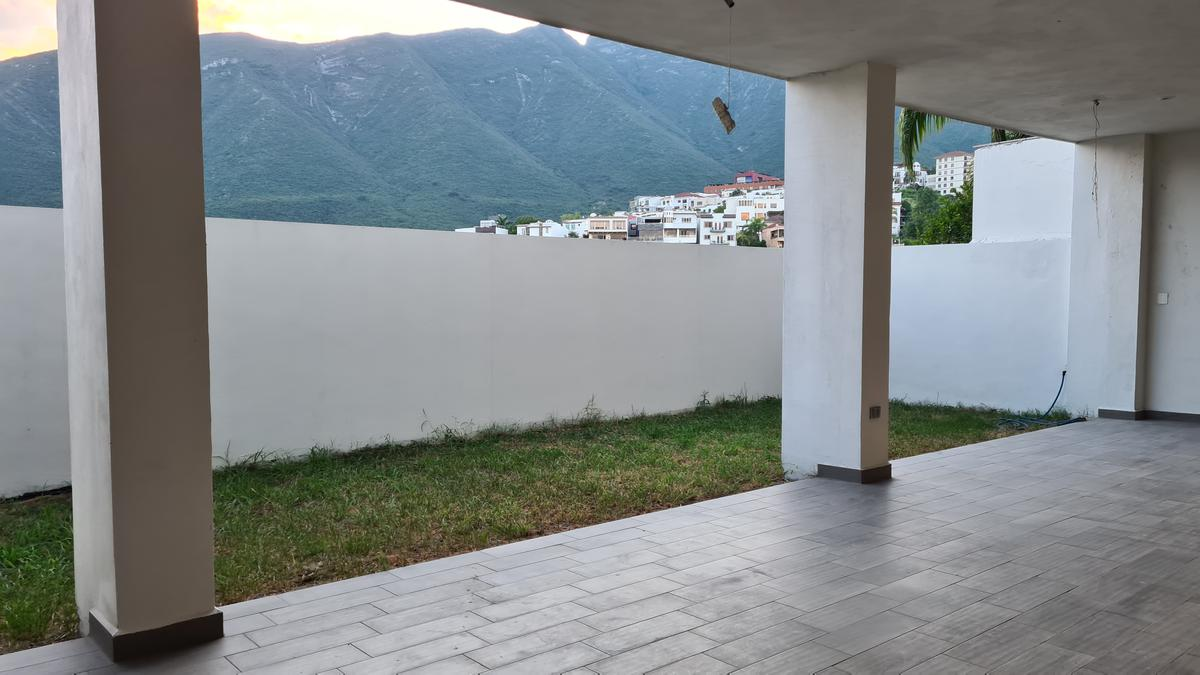 Foto Casa en Venta en  Monterrey ,  Nuevo León  VENTA CASA COLINAS DE SAN JERONIMO MONTERREY