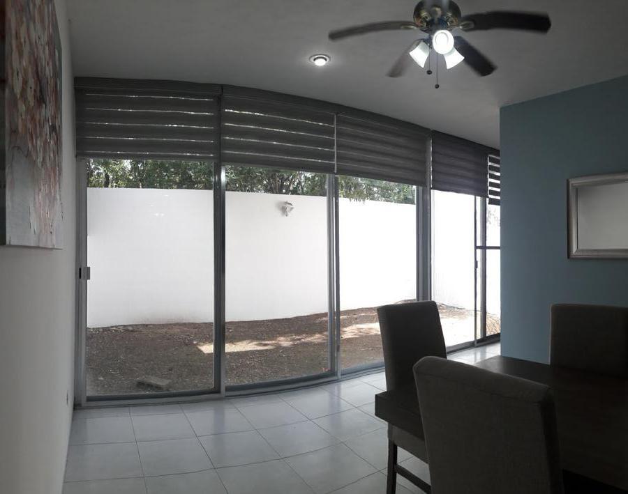 Foto Casa en Renta en  Fraccionamiento Royal del Norte,  Mérida  Casa en Renta en Mérida Yucatán Amueblada al Norte en Privada