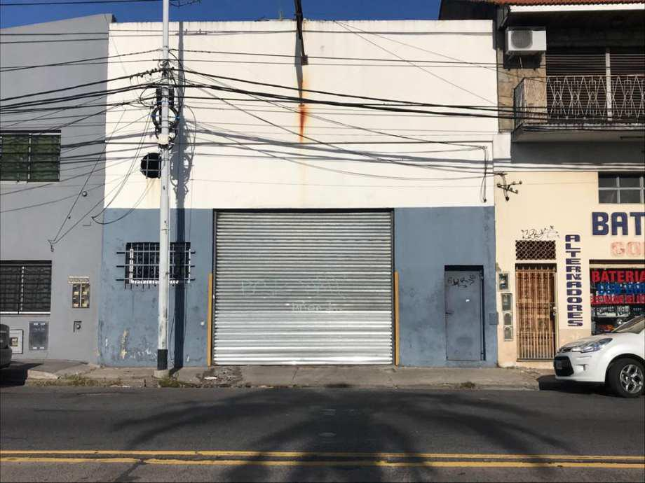 Foto Local en Alquiler en  Avellaneda,  Avellaneda  Avenida Cristologo Larralde al 1700