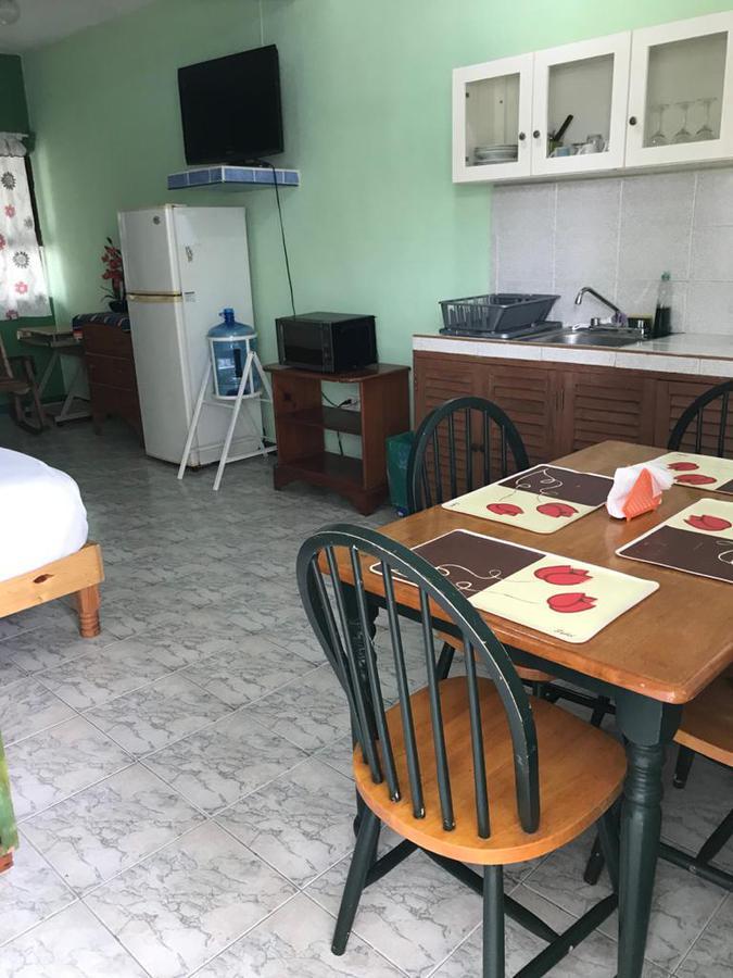 Foto Edificio Comercial en Venta en  Cozumel Centro,  Cozumel  EDIFICIO  COZUMEL 11 DEPTOS.    25 AVENIDA SUR CON J. MARÍA MORELOS , COLONIA CENTRO