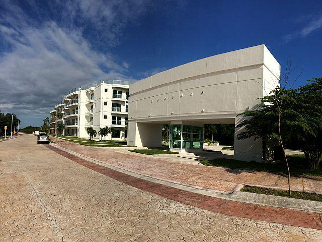 Foto Departamento en Venta en  Lagos del Sol,  Cancún  Lagos del Sol