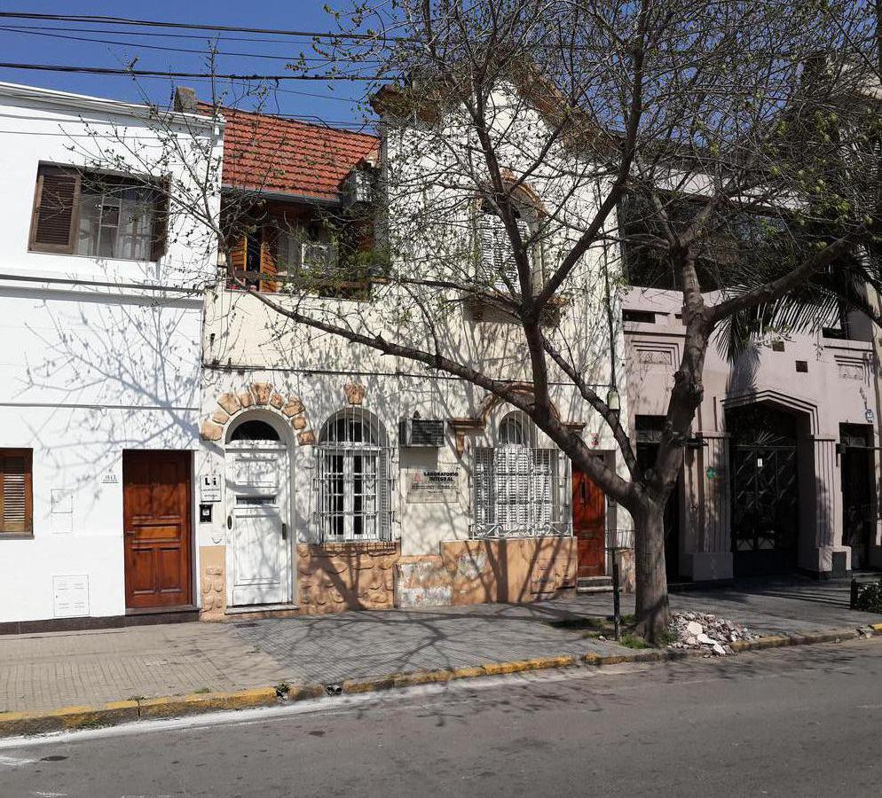 Foto Casa en Venta en  Candioti Sur,  Santa Fe  Zona Boulevard Gálvez, frente a plaza Pueyrredón, PH de 144 m2 en P. Baja 2 dormitorios c/ patiecito