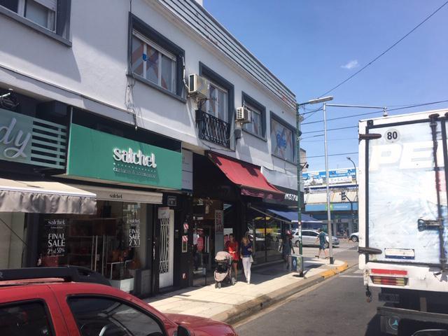 Foto Local en Alquiler en  Martinez,  San Isidro  Alvear 17