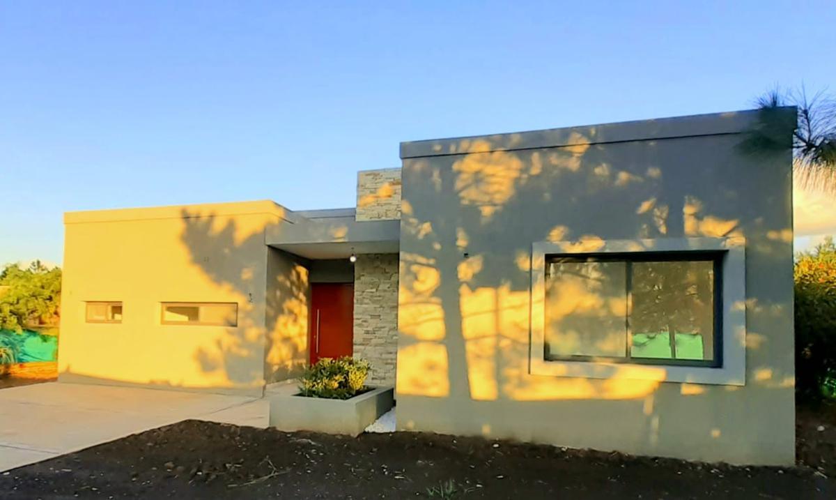 Foto Casa en Venta en  Los Cardales,  Countries/B.Cerrado (Campana)  Casa a estrenar El Cardal